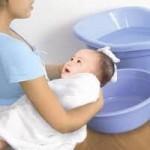 video tắm cho trẻ sơ sinh