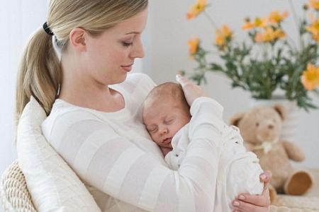Mẹo hay giúp mẹ chăm sóc trẻ sơ sinh tốt nhất từ 0-1 tháng