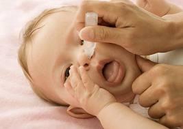 Hướng dẫn cách vệ sinh mũi ở trẻ